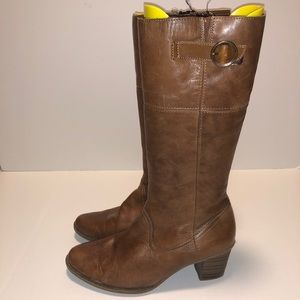 Ladies Leather Rieker size 9.5 US Boots